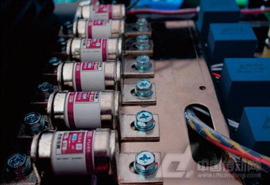 """""""快速熔断器""""做欧科变频器的电路保护伞"""