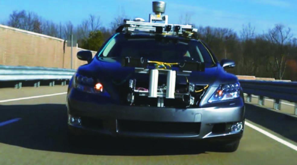 丰田自动驾驶汽车问世