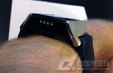 basis智能手表佩戴后的效果