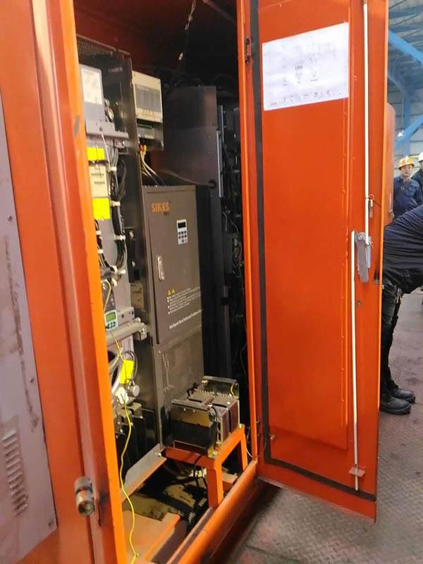 回馈装置配套西门子变频器,用于山东日照某钢厂的大型行车项目.