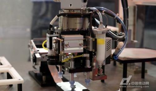 爱普生工业机器人多领域创新方案亮相 助力中国智能制造
