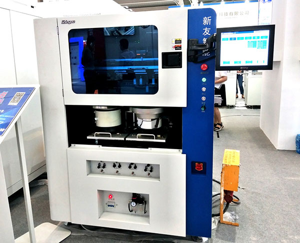 产线亮相华南电子设备展采用了直线双驱电机高速v直线的高速插件机FANCY图片
