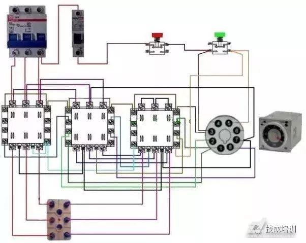 图5,星型-三角型降压启动电路元件实物连线图